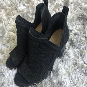 Vince Camuto peep toe booties - size 8.5